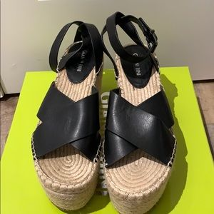 NWOTGianni Bini Tybel Leather Rope Platform Wedges